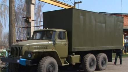 Українець самотужки відремонтував автомобіль для військових на Сході: вражаючі фото до та після