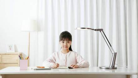 Xiaomi представляет настольную лампу Yeelight Eye Lamp Pro: чем уникальна новинка