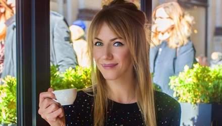 Телеведуча Леся Нікітюк засвітила стильну сукню в Каннах: чарівні фото