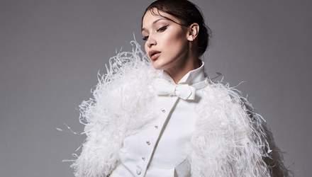 Белла Хадід знялась у розкішному фотосеті для модного глянцю: елегантні фото