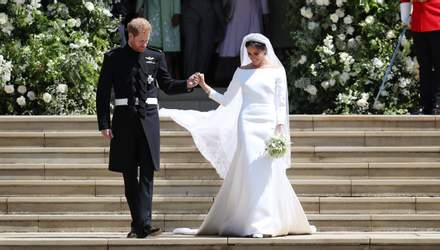 Мыли руки каждые 30 минут: дизайнер рассказала, как создавалось свадебное платье Меган Маркл