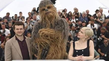 """Эмилия Кларк пыталась воспроизвести звуки одного из героев """"Звездных войн"""": смешное видео"""