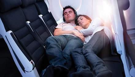 Стало відомо, чому родичам небезпечно сидіти на різних місцях у літаку, – ЗМІ