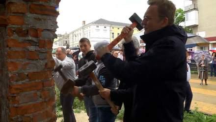 Голодний мер та розлючені люди: як на Львівщині бунтують проти незаконної забудови