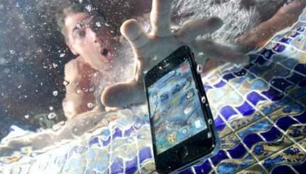 Какие смартфоны имеют наилучшую защиту от воды и пыли – обнародовали рейтинг