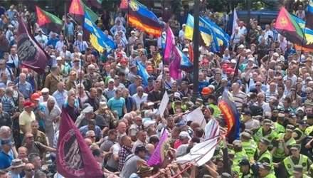Кто стоит за митингом военных под Верховной Радой