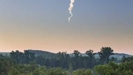 У Росії зафіксували вибух метеориту: вражаючі фото та відео небесного явища