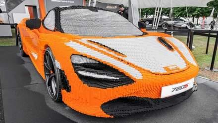 Модель суперкара McLaren 720S відтворили в реальних розмірах з деталей Lego: вражаючі фото