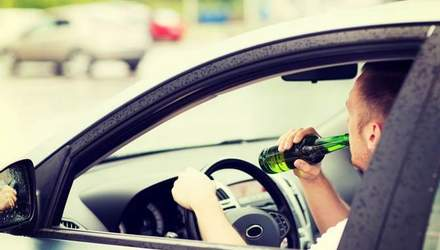 На тещиной машине: как прокуроры злоупотребляют алкоголем за рулем