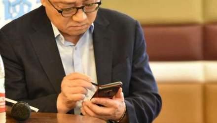Глава Samsung засвітив ще неанонсований  смартфон Galaxy Note9