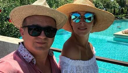 Катя Осадча і Юрій Горбунов похизувалась сімейними фото з відпочинку на морі