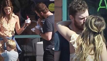 Кріса Пратта заскочили на поцілунках з донькою Шварценеггера: фото