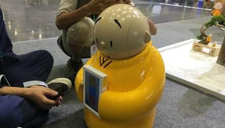 Перший робот-чернець вже почав свою роботу