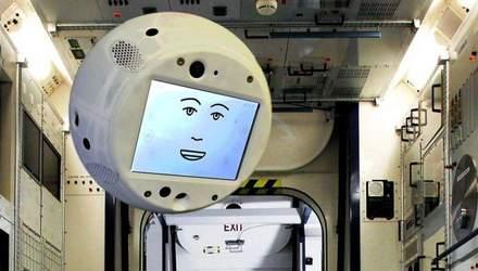 Робот CIMON зі штучним інтелектом надаватиме поради космонавтам