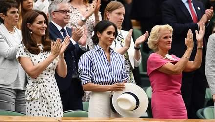 Почему Меган Маркл держала шляпку в руках на Уимблдоне