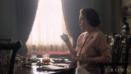 """Как выглядит королева Елизавета II в новом сезоне сериала """"Корона"""": первое фото"""