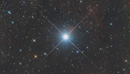 В атмосфере землеподобной планеты обнаружили пары железа и титана