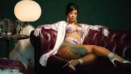 Певица Cardi B показала соблазнительную фигуру на голом фото