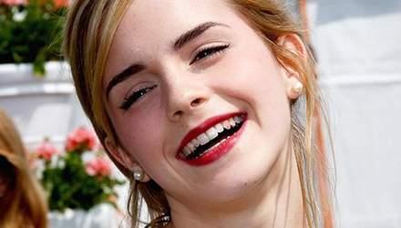 Як позбутися слідів помади на зубах