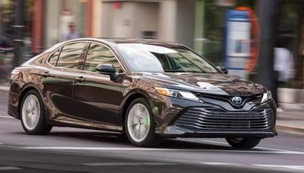 Гібрид Toyota Camry витіснить Avensis на європейському ринку