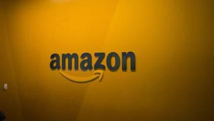 Работников Amazon поймали на взятках