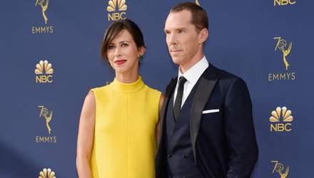 """Бенедикт Камбербетч втретє стане батьком: фото вагітної дружини на премії """"Еммі"""""""
