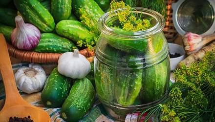 """Мариновані огірки """"al dente"""": легкий рецепт від Слави Камінської"""