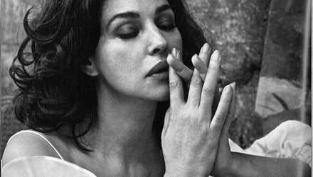 Сексуальная Моника Беллуччи снялась в чувственной фотосессии для глянца: фото