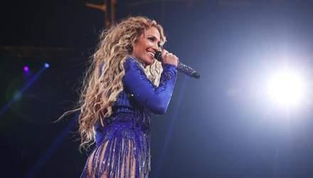 Дженніфер Лопес впала під час свого виступу: курйозне відео