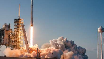 Ракета Илона Маска успешно совершила полет в космос: невероятные фото и видео