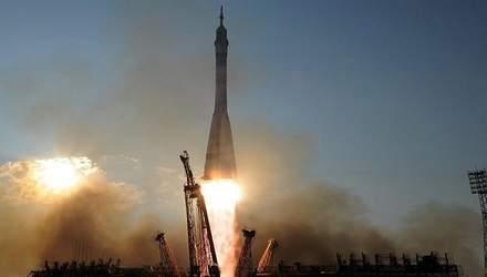 """Аварія з ракетою """"Союз"""": астронавти можуть надовго застрягнути на МКС"""