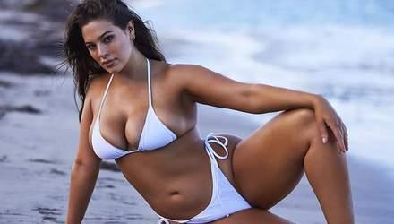 Пишнотіла модель Ешлі Грем показала звабливе фото в білизні: 18+