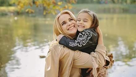 Лилия Ребрик поразила сеть осенними снимками с дочками