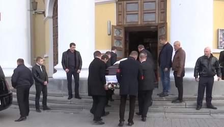 С Мариной Поплавской прощаются в Киеве: фото