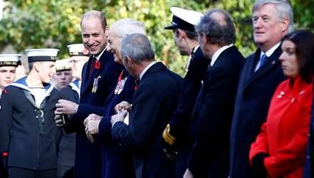 Я же мог опьянеть, – принц Уильям стал жертвой забавного розыгрыша на параде