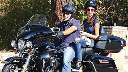 Джордж Клуні виставив на продаж свій мотоцикл: відома причина