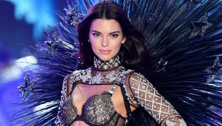 Кендалл Дженнер зачарувала відвертими образами у білизні на шоу Victoria's Secret: фото