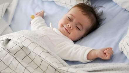 Як повинна спати дитина до 1 року: відповідь Комаровського