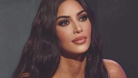 Пухкі губи та відверте декольте: Кім Кардашян вразила Instagram новими фото