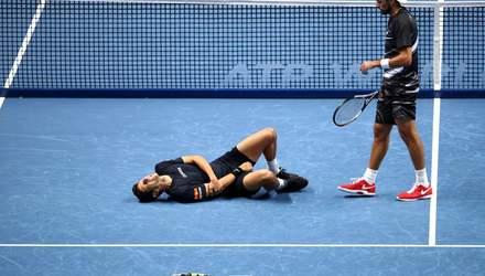 Потужний удар в руку звалив бразильського тенісиста на турнірі в Лондоні: відео