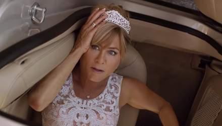 """Дженніфер Еністон підкорює мережу у першому офіційному трейлері фільму """"Dumplin'"""" (""""Пампушка"""")"""