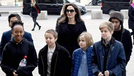 Син Анджеліни Джолі хоче поїхати з США через скандали батьків: інтригуючі деталі