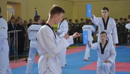 Курсанти у Житомирі освоїли незвичне бойове мистецтво: захопливі фото та відео