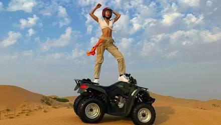Белла Хадид отметила День благодарения со своим любимым в Абу-Даби: яркие фото