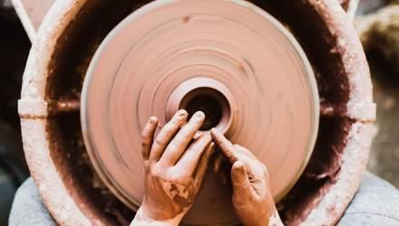 Як українські гончарі зберегли унікальний осередок створення особливої чорнодимленої кераміки