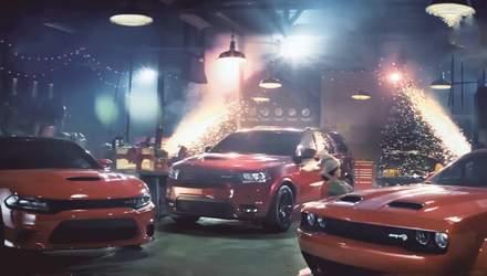 Компания Dodge создала мощный транспорт для Деда Мороза