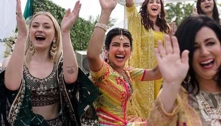 Индийская свадьба Приянки Чопри и Ника Джонаса: появились первые фото с церемонии мехенди