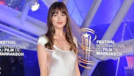 Українське в моді: акторка Дакота Джонсон одягнула сукню вітчизняного виробника – фотофакт