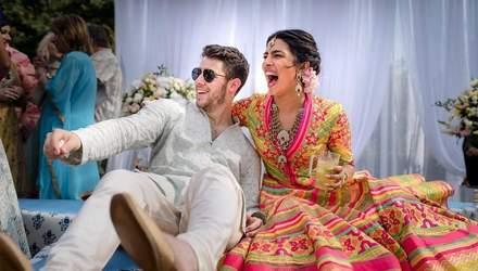 В бирюзовом сари: появились первые фото после свадьбы Приянки Чопры и Ника Джонаса