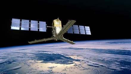 """Астрономы прибегли к """"научным трюкам"""" и получили фото северного полюса Солнца"""